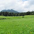 17 燧岳とヤナギランの丘